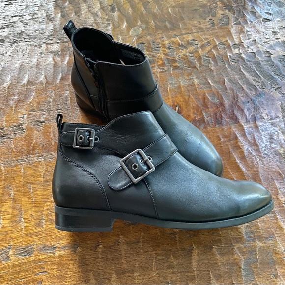 Vionic Shoes   Country Logan Black